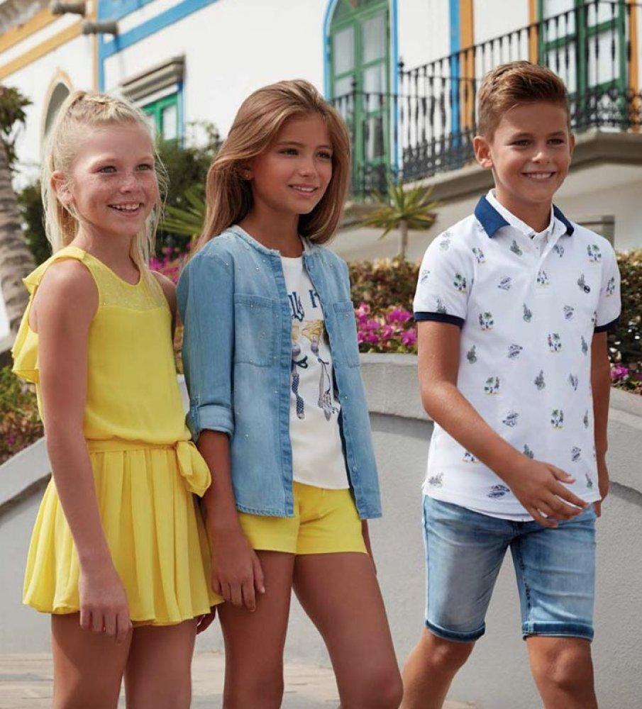 Детските дрехи - забавни, модерни и многоцветни