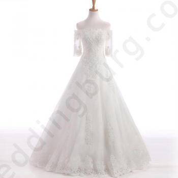 Булчинска рокля с фини мъниста А-линия