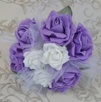 Булчински букет за хвърляне с бели и лилави рози - тройка F024