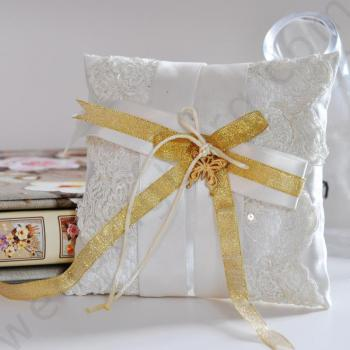 Възглавничка за сватбени халки BX017