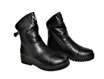 Дамски боти с два ципа в черно 138