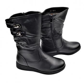 Дамски ботуши в черно 150