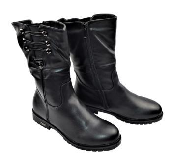 Дамски ботуши в черно 151