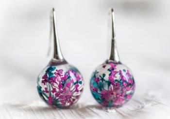 Дамски обици с топчета от смола и цветя PB0013