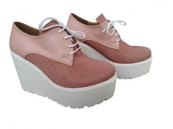 Дамски обувки на платформа в цвят пепел от рози 615