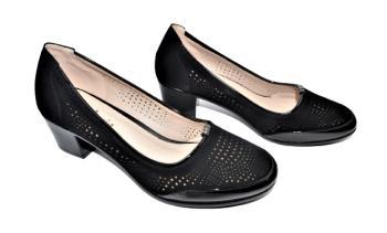 Дамски обувки на ток в черно 165