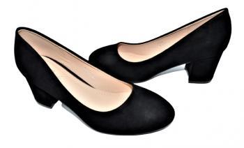 Дамски обувки на ток в черно 204