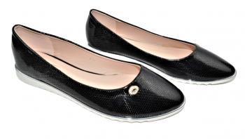Дамски пантофки в черно 304