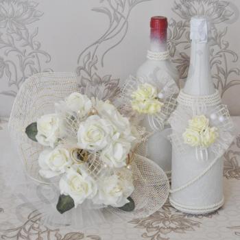 Комплект от ритуални вина и булчински букет, модел KA030