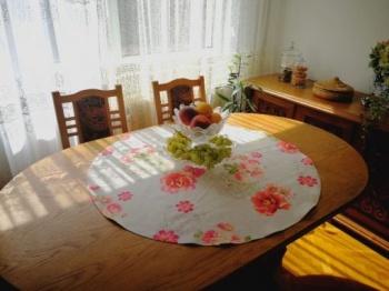 Кръгло каре за маса &8211 романс