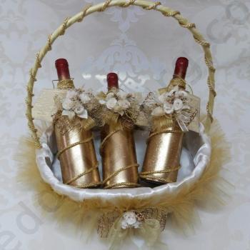 Кумски комплект за сватба с три бутилки вино