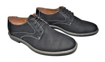 Мъжки обувки в черно 996