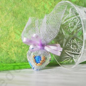Подарък за гости на сватба и кръщене - кристално сърце с цветни бонбони