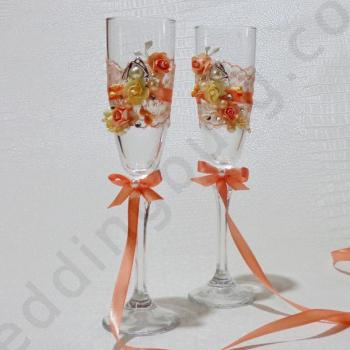 Сватбени чаши с декорация в цвят праскова, модел GSH02