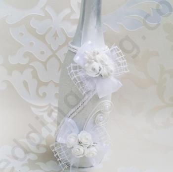 Сватбено шампанско в снежно бял цвят SH59
