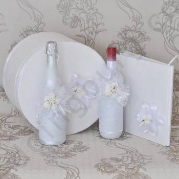 Сватбен комплект в снежно бял цват, модел KA036
