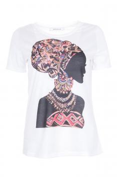 Тениска с екзотичен мотив